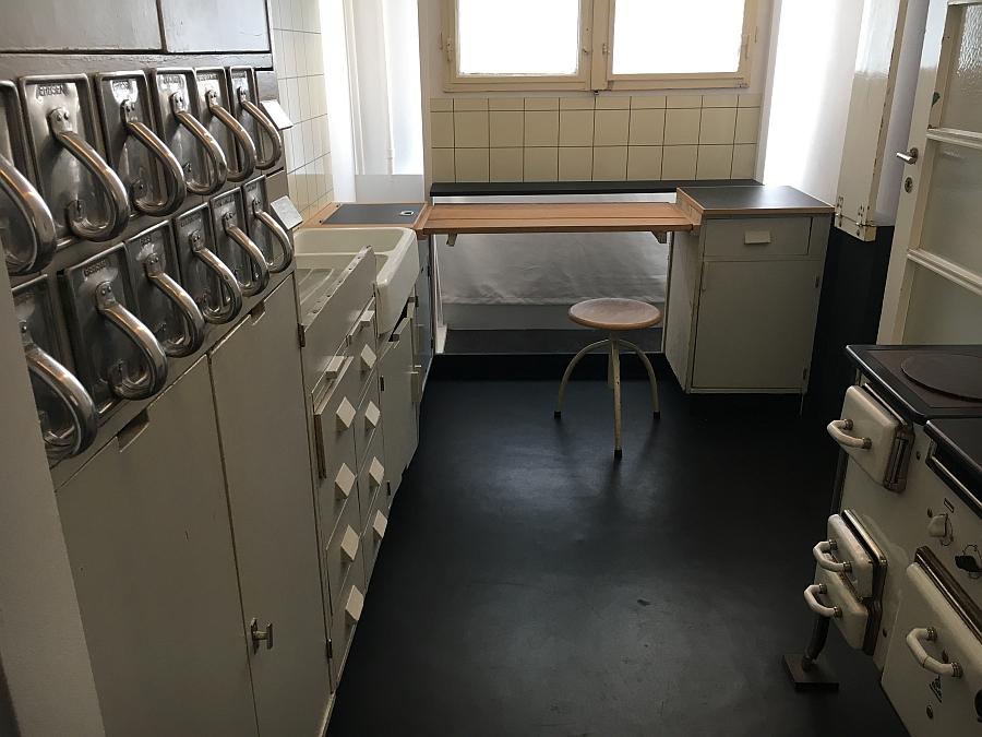 was ist heute noch modern k chenkompass. Black Bedroom Furniture Sets. Home Design Ideas