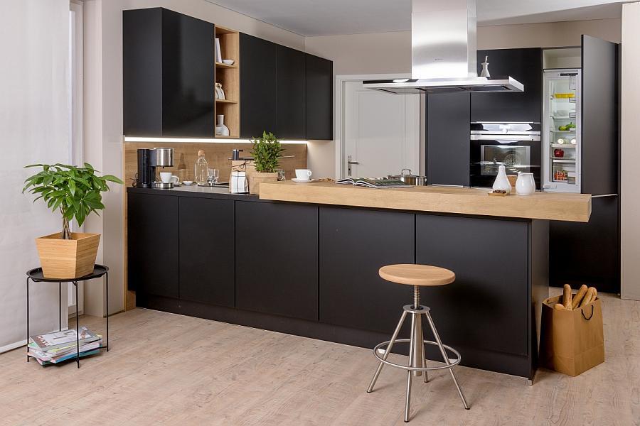 Schwarze Küche hat Klasse - Küchenkompass